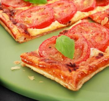 Feuilletés jambon tomate mozzarella en bande